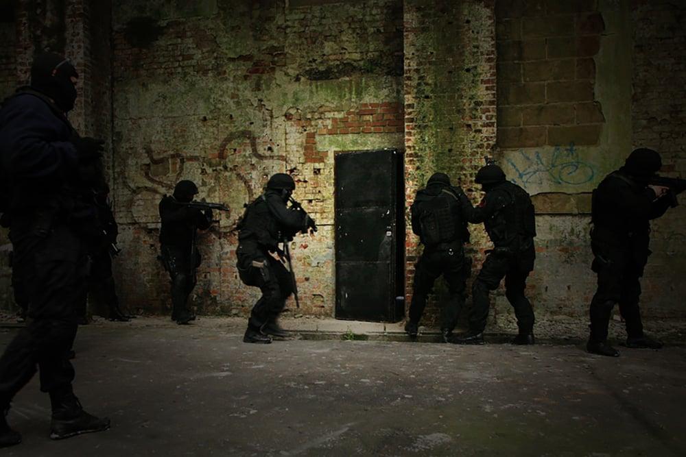 Modular Blast Breaching Door